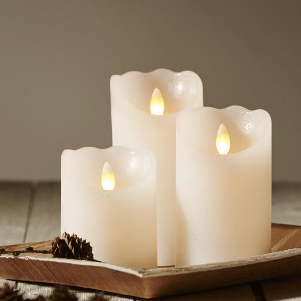 "LED Kerze ""Glow"" - Echtwachs - warmweiße flackernde LED - Timer - H: 12,5cm, D: 7,5cm - weiß"