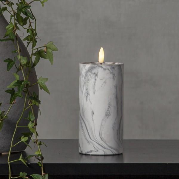 """LED Stumpenkerze """"Flamme"""" - Marmoroptik - Echtwachs - natürlich aussehende Flamme - Timer - H:17,5cm"""