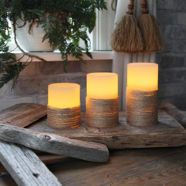 """LED Kerze """"Rope"""" - Echtwachs - mit Seil umwickelt - flackernd - Timer- H: 12,5cm, D: 7,5cm - weiß"""