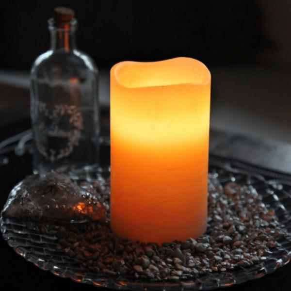 """LED Kerze """"May"""" - Echtwachs - flackernde LED - Timer - H: 12,5cm, D: 7,5cm - orange"""